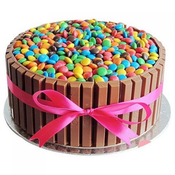 Half Kg Kit Kat Chocolate Cake-bookmycakes-kit-kat-chocolate-cake